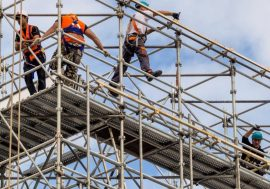 Vláda prodloužila zahraničním pracovníkům víza do 16. listopadu