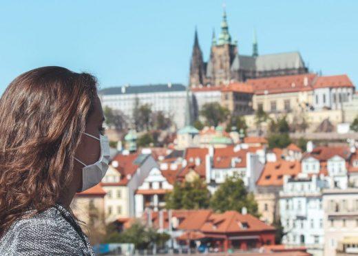 Praha reaguje na trvající komunitní přenos novými opatřeními